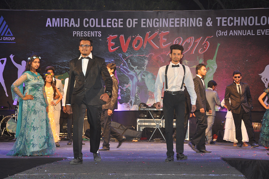 ramp walk Event of Amiraj